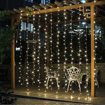 Twinkle Star 300-LED Window String Light Curtain