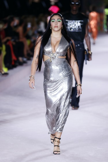 Lola Leon walking the spring 2022 Versace show