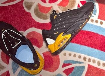 """Drake's Nike Hot Step Air Terra sneaker in """"Black/Yellow"""""""