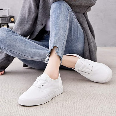 Adokoo Canvas Low Cut Sneakers