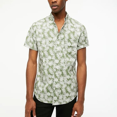 Shane wear a palm leaf-print shirt on 'The White Lotus.'