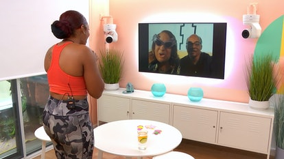 Kai Ghost speaks to her parents on 'The Circle' Season 3.