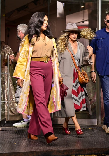 """Sarita Choudhury and Sarah Jessica Parker on the set of """"And Just Like That..."""""""