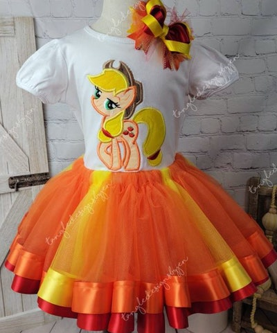 Applejack - My Little Pony Outfit