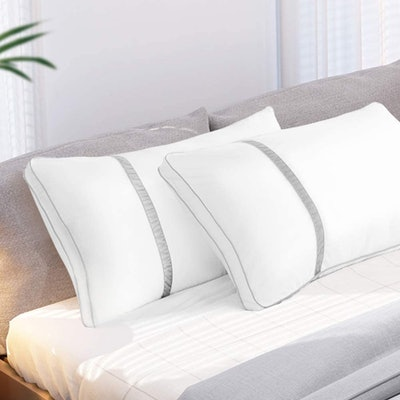 BedStory Hotel Pillows (2-Pack)