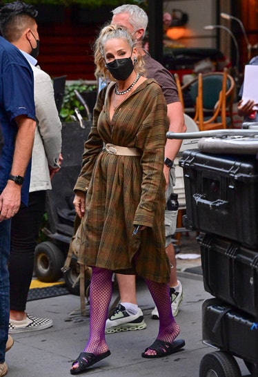 """Sarah Jessica Parker on the set of """"And Just Like That..."""""""