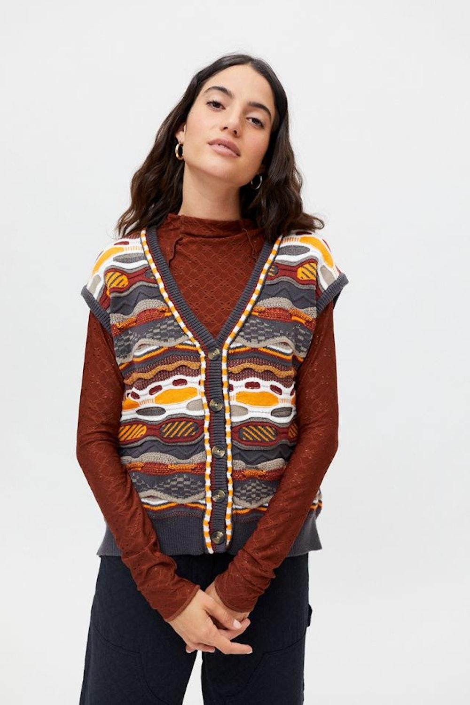 BDG Maclaine Patterned Sweater Vest