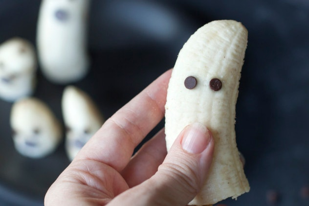Boo-nanas are an easy Halloween treat for babies.