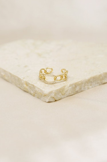 Destiny Crystal and 18k Gold Plated Circle Chain Link Ring Ettika