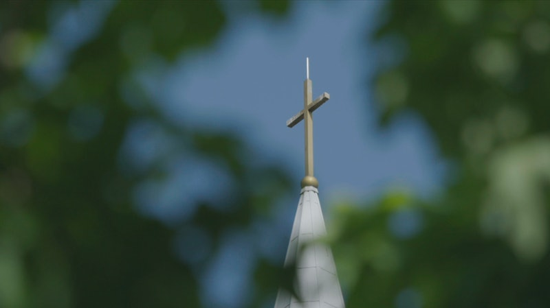 A cross on The Remnant Fellowship Church, which is now led by Gwen Shamblin's daughter Elizabeth