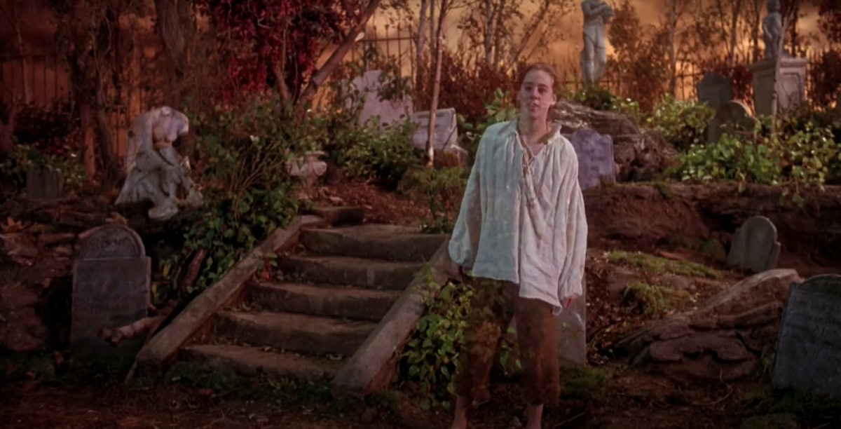 These 'Hocus Pocus' Zoom backgrounds include Thackery Binx's ghost.