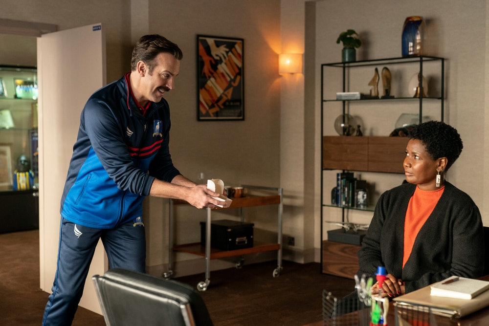 Ted Lasso tries to charm his way into psychologist Sharon Fieldstone's graces.
