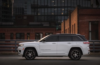 Jeep has unveiled a plug-in hybrid version of its Grand Cherokee SUV.