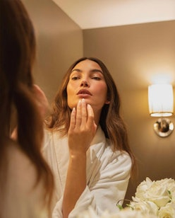 Lily Aldridge with an American manicure
