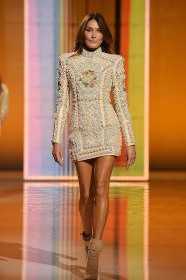Carla Bruni walking the spring 2022 Balmain show