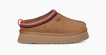UGG Tazz Slippers in Chestnut.