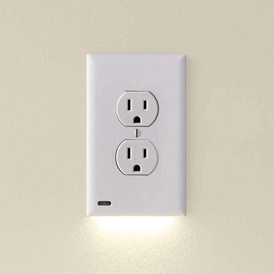 SnapPower Outlet Wall Plate with LED Night Lights