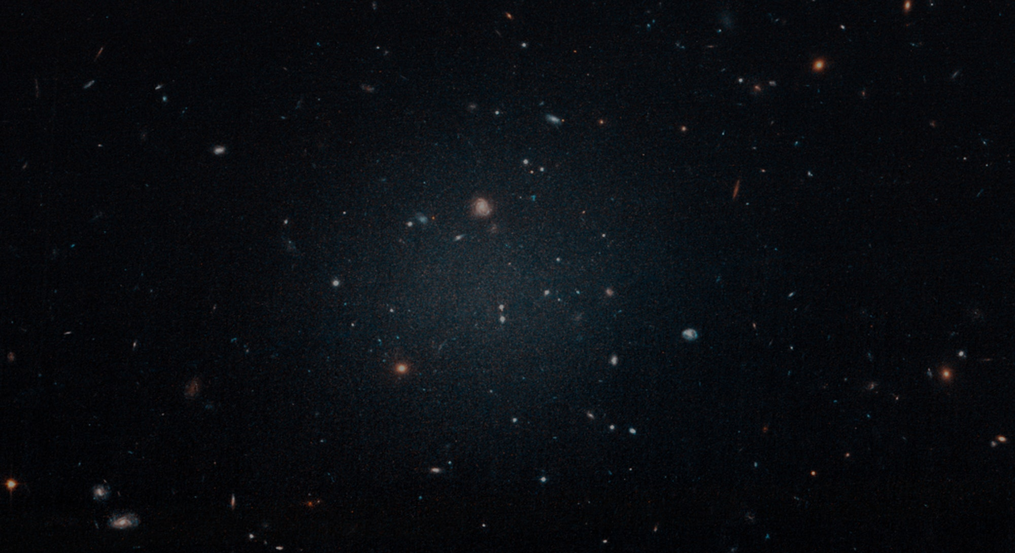 An image of a ghostly ultradiffuse galaxy