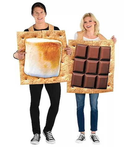 Couple dressed as s'mores