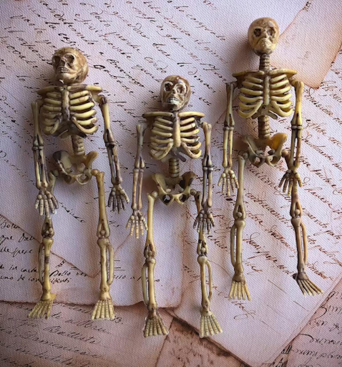 Mini Halloween Skeletons