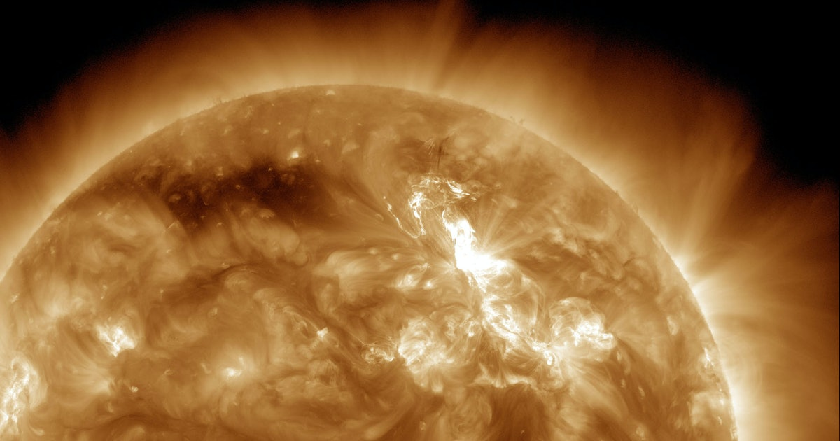 What happens if a solar storm hits Earth<br>