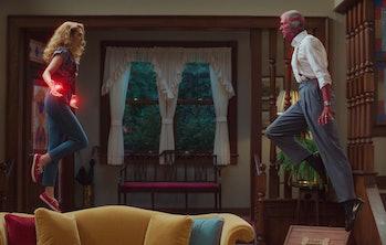 Elizabeth Olsen and Paul Bettany in WandaVision Episode 5