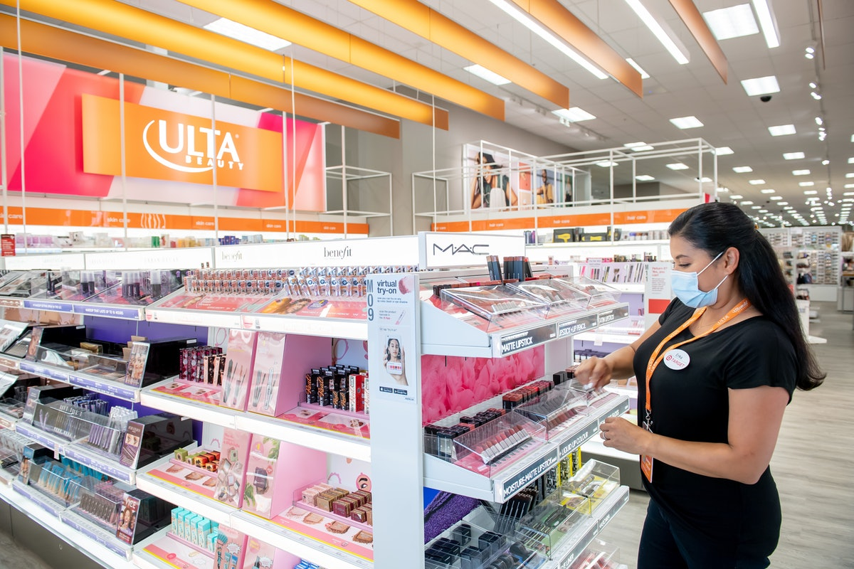 An Ulta Beauty store associates recommends what to buy from Ulta Beauty at Target