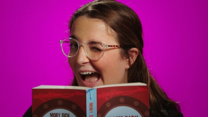 A photo of 'Circle' season 3 contestant Sophia (aka Isabella) winking. She has brown hair, is wearin...