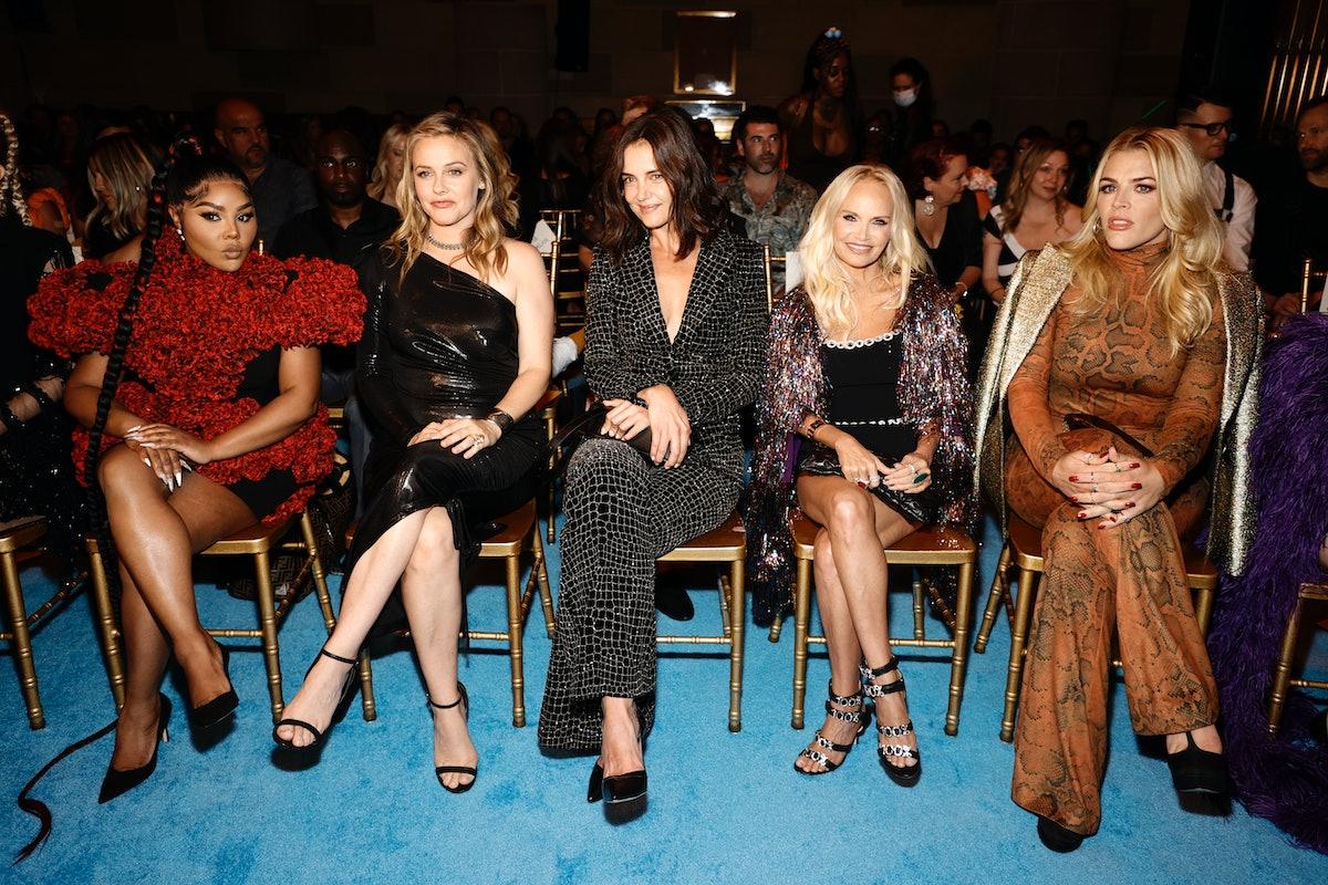 Lil 'Kim ، Alicia Silverstone ، Katie Holmes ، Kristin Chenoweth و Busy Philipps در صف اول برای ...