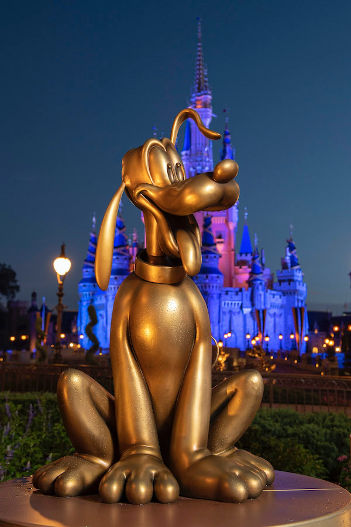 Disney World's gold statues for the 50th anniversary include Pluto.
