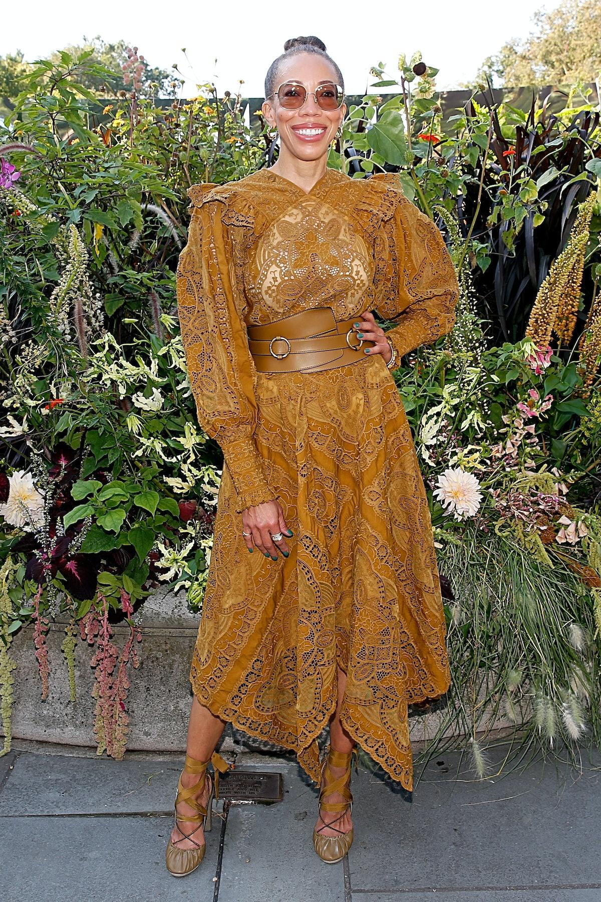 امی شرلد در هفته مد نیویورک در صف اول اولا جانسون شرکت می کند: نمایش ها در بروکلین B ...