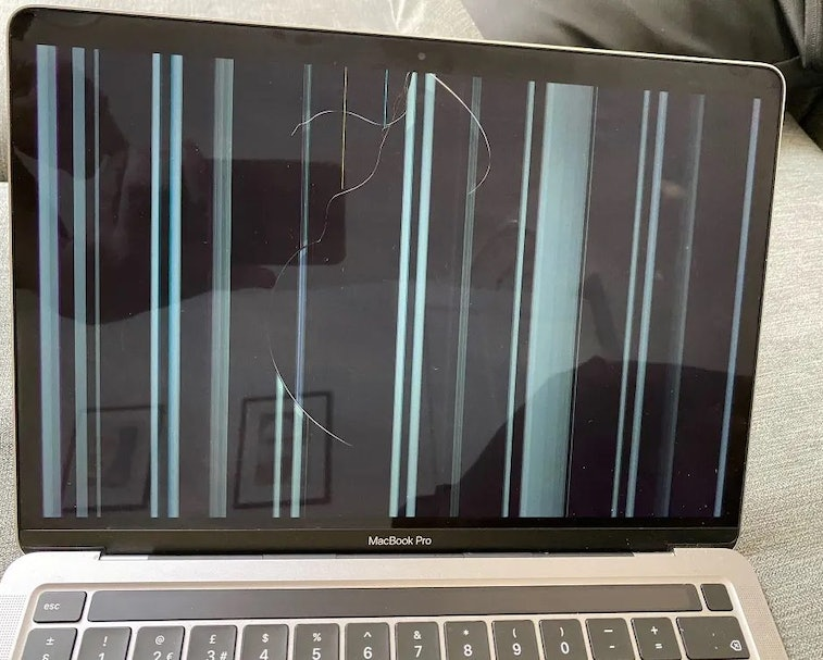 Cracked M1 MacBook screen evidence for class-action lawsuit