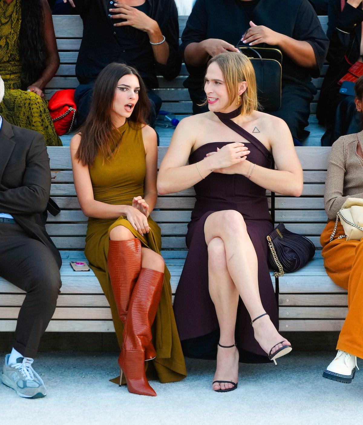 امیلی راتایکوفسکی و تامی دورفمن در نمایشگاه پروئنزا شولر در 08 سپتامبر 2021 در شهر نیویورک ....