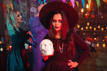 If you and your friends are dressing up in witch costumes for Halloween, use these Halloween witch c...