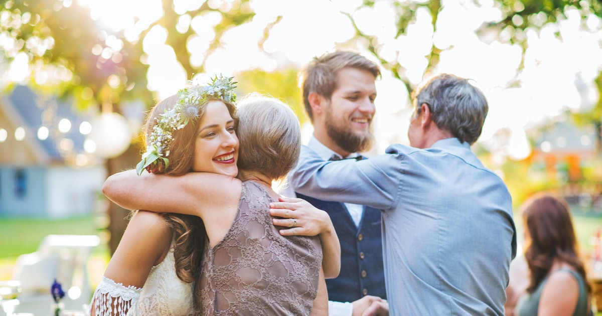 How To Navigate Your Wedding When Your Parents Are Divorced