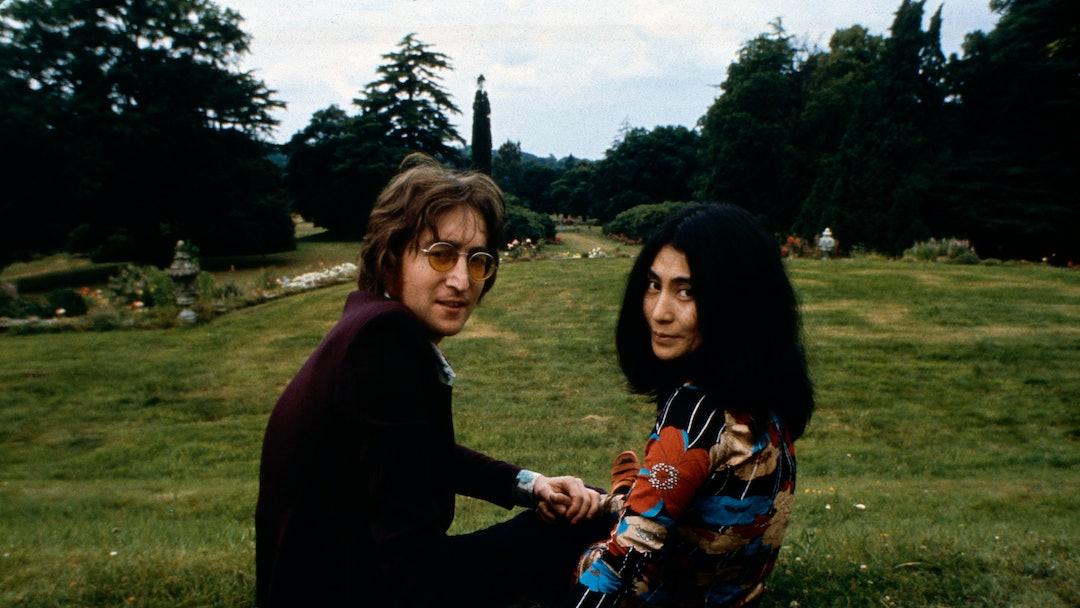 John Lennon and Yoko Ono at Tittenhurst Park, Their Residence Between 11/08/69 and 30/08/71 in Sunningdale, Nr Ascot Berkshire