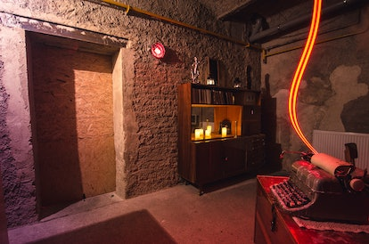 Writer-themed Escape Quest Room Game with riddles to solve
