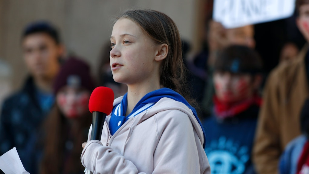 Greta Thunberg, r m. Swedish climate activist Greta Thunberg speaks to several thousand people at a climate strike rally, in Denver. The rally was staged in Denver's Civic Center Park