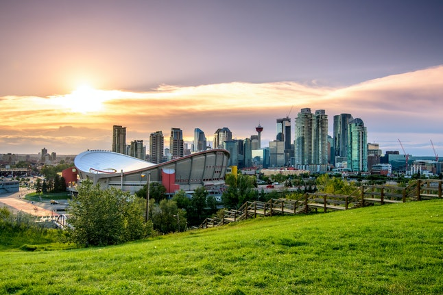 Calgary hotels have epic deals during the December holidays.