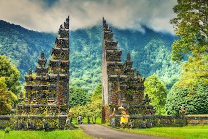 Séjournez dans un hôtel chic à Bali pour le même prix qu'un motel à la maison.
