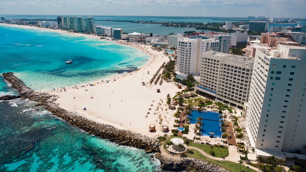 Dollar Flight Club's Nov. 1 Deals To Cancun are over 50% percent off.
