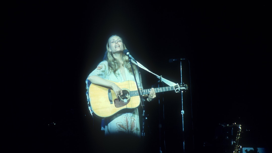 JONI MITCHELL, THE NEW VICTORIA, LONDON, BRITAIN - APR 1974