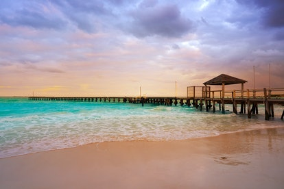 Dollar Flight Club's Nov. 1 Deals To Cancun make it easy to schedule a cheap late winter or early sp...