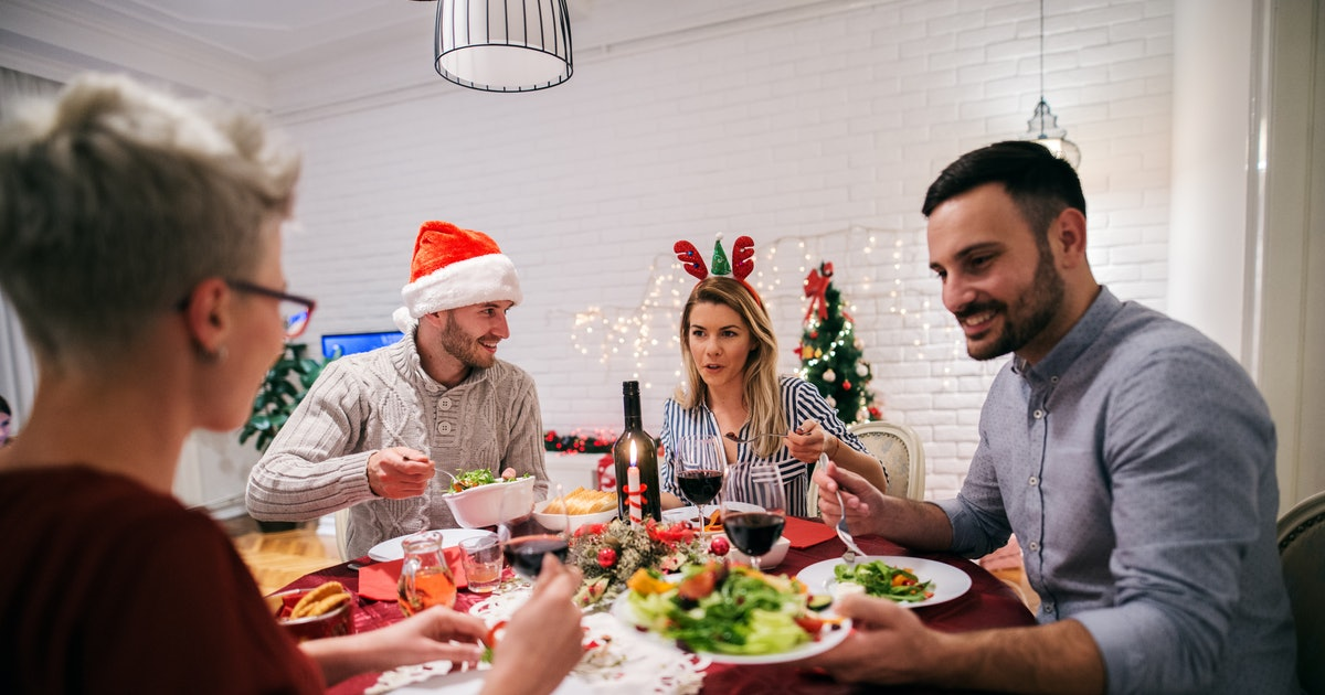 If You Have To See A Toxic Family Member During The Holidays, Here's What To Do