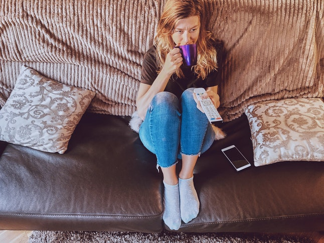 Binge-watching TV can result in feeling the need for immediate gratification, which can be stressful.