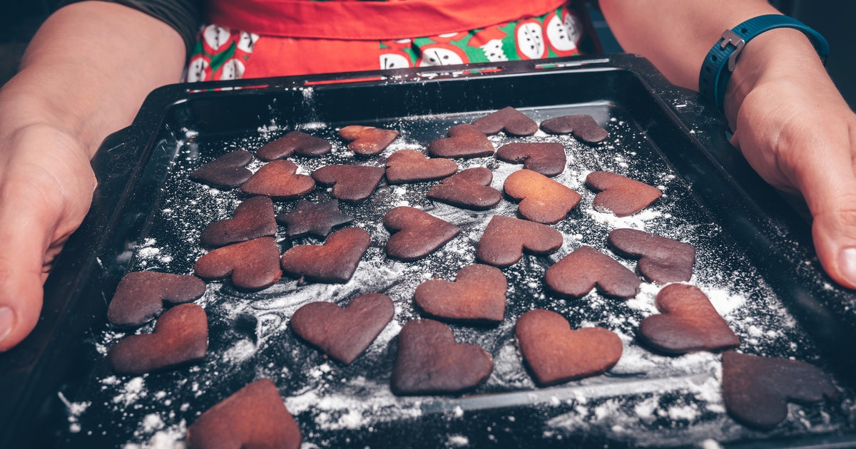 Can You Fix Burned Cookies? Because You *Will* Burn A Batch This Holiday Season