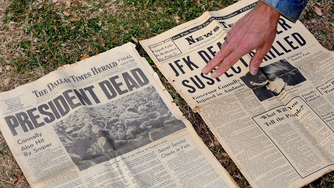 Gary Gossett Shows Two Local Newspapers His Mother Saved From the Day at Dealey Plaza the Site of the Assassination of John F Kennedy in Dallas Texas Usa 22 November 2008 November 22 2008 Marks the 45th Anniversary of President John F Kennedy's Assassination On November 22 1963 at Dealey Plaza Outside the Texas School Book Depository