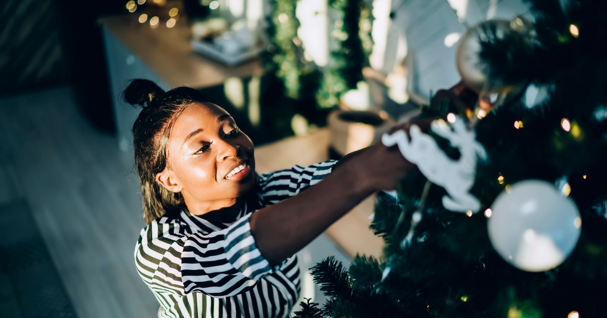 This 2019 Christmas Tree Decorating Playlist Is Here For The Season