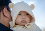 Experts say the signs of your baby being cold can be subtle.