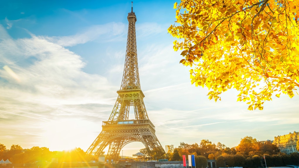 Dollar Flight Club's Nov. 7 Deals To Paris feature super low prices on round-trip flights, so you can finally see the Eiffel Tower.